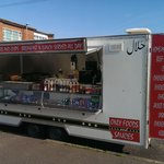 they also have a burger van which they do curry from in cheetham hill m88ra oppisite the tube bu