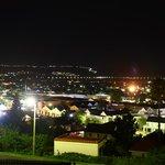 Panorama serale della città, vista dalla terrazza