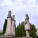 Statue Colomb et rois