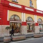 Gargiulo & Jannuzzi wooden-inlaid shop on corner.