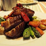 Duck with green asparagus and strawberries