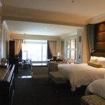Bella 2 Queen suite