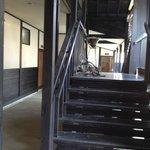 別棟への廊下階段