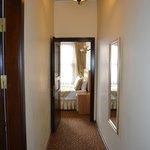коридор между комнатами
