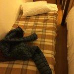 il terzo letto e lo spazio rimasto per andare in bagno