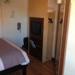 Door close to TV/Wardrobe unit