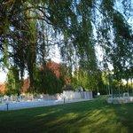 De prachtige tuin van Comfort Hotel Beaune