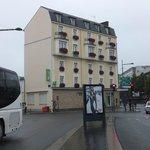 駅前の綺麗なホテル