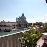 Stunning views on La Basilica della Santa Maria and the Grand Canal