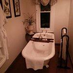 Bathroom - room 10