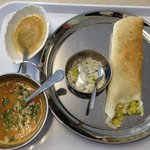 £5: Masala dosa, sambar and dessert. All great and a second dosa was added at no extra charge.