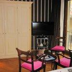 Double deluxe - wardrobe, sitting area, window
