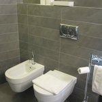 Junior suite: Excellent and clean bathroom