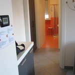 Calissano apartments: Entry and bathroom