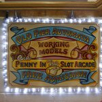 Sign to the slot machinesa