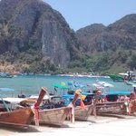 boat trip to phi phi from phuket