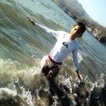Disfrutando del agua del mar.