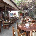 Guidos Restaurant court yard