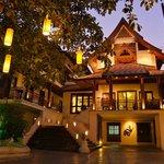 Hotel De Naga