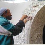 Foto del lavoro artigianale eseguito per costruire il Riad