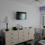 im renovierten Zimmer die selben Möbel wie im alten