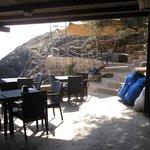 Bar sulla baia, scavato nella roccia