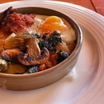 Cazuela de huevo con sobrasada y verduras