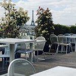 Terraza con vistas a la Torre Eiffel