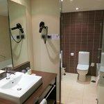 Lo scomodissimo bagno-toilette separati