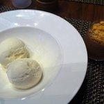 Ice cream & choc mousse