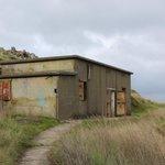 Gun emplacement building