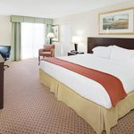 King Bed in Springfield, IL