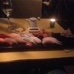 Sushi misto (nigiri + maki) + 2 nihiri ricciola