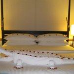 Amazing towel origami, a crocodile