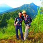 2 happy ladies with mount Abang & Agung background