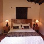 Villa 5 queen bedroom
