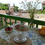 Uno scorcio del balcone delle colazioni