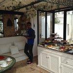 El desayuno en la terraza