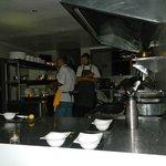 01 Kitchen a la flash