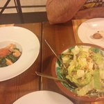 Ensalada de alga wakame y ensalada rumba