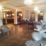 Stilvolle Lobby und Bar