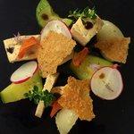 Mousseline de volaille légumes marinées et tuiles parmesan.