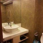 studio room bathroom