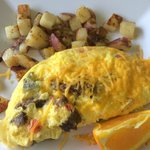 Alamogordo omelet with green chilies