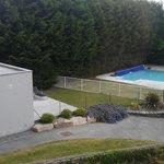 Vue d une chambre Spa et piscine extérieure.