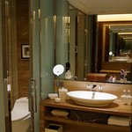 Spacious and modern bathroom