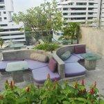 Leapfrog Rooftop Lounge;/Bar