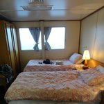 Twin share stateroom on the Reef Encounter