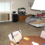 Room #1: 2 queen beds
