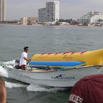 banana boat arriving